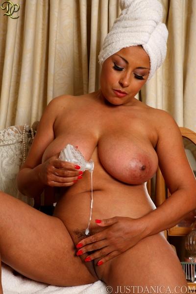 Danica Collins moisturises..