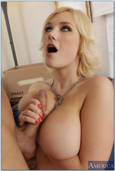 Voluptuous blonde babe in..