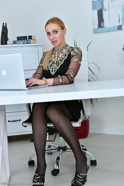 Leggy fairy Afina Kisser..