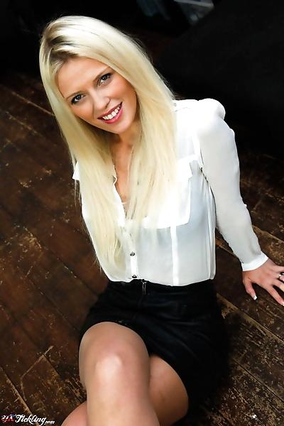 Dirty blonde girl Sophia Lee..